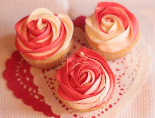 Tập làm cupcakes cơ bản và kem bơ sữa tươi