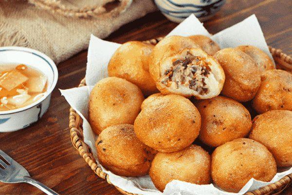 Cách làm bánh bao chiên nhân thịt đậm đà mà đơn giản