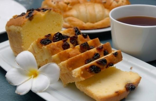 Trà chiều hoàn hảo với cách làm bánh bông lan nho khô