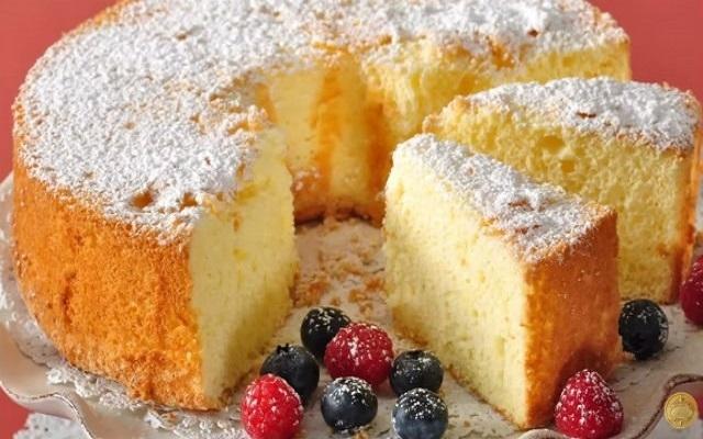 Hướng dẫn cách làm bánh bông lan đơn giản tại nhà