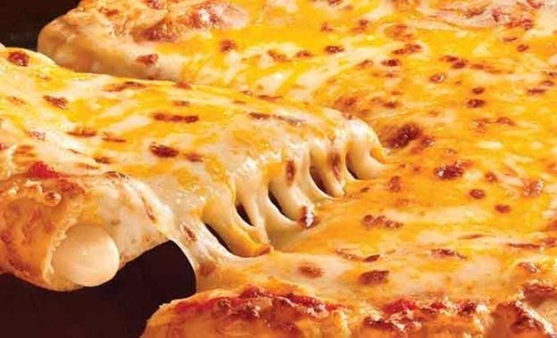 Cách làm pizza phô mai ngon hơn ngoài hàng