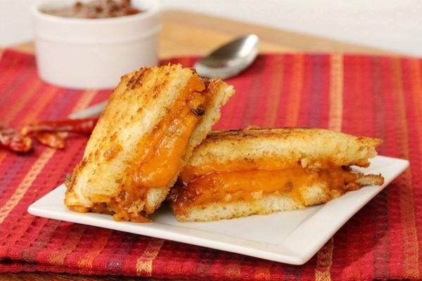 Cách làm bánh sandwich phô mai thơm béo mê hồn