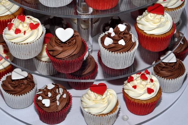 Cách làm bánh cupcake qua 4 bước đơn giản bằng lò vi sóng