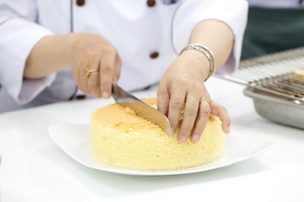 Kỹ thuật làm cốt bánh kem bơ – butter cream
