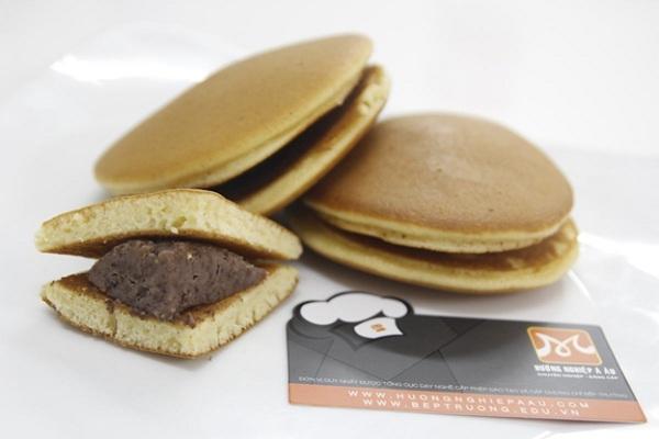 Cách làm bánh rán dorayaki ( bánh doremon) mềm mịn, thơm ngon