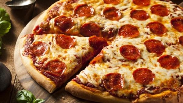 Cách làm bánh pizza tại nhà siêu đơn giản