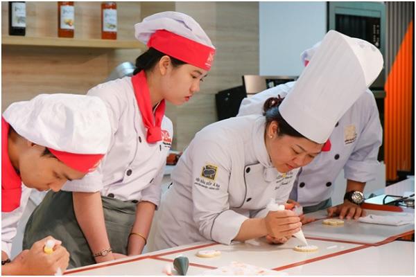 Cơ hội vàng khi học làm bánh ở Long An