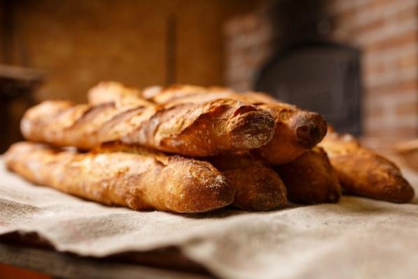 Cách làm bánh mì Baguette giòn ngon