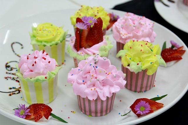 Bánh cupcake trang trí hấp dẫn