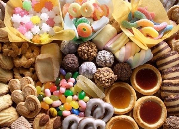 Bánh kẹo ngoại nhập