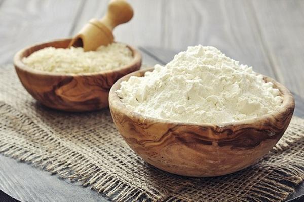 Bột gạo được dùng làm bánh Việt