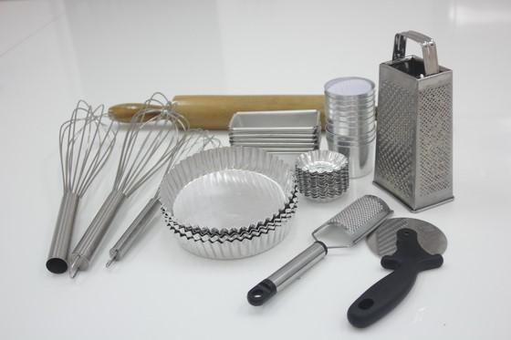 Bếp Bánh tại HNAAu có đầy đủ công cụ dụng cụ để làm tất cả các loại Bánh từ Âu đến Á
