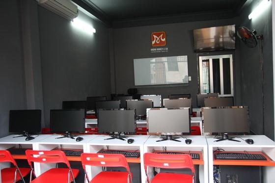 Phòng học vi tính chuyên ngành hiện đại
