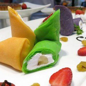 Học cách làm bánh crepe sầu riêng và crepe trà xanh