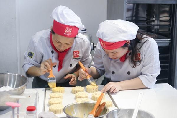 Học làm bánh để kinh doanh
