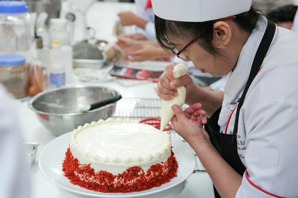 Kỹ thuật bắt sò trang trí bánh kem