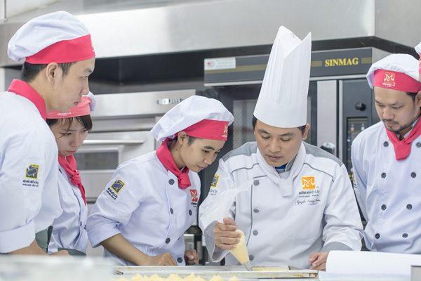 Học nghề là cách để bạn trẻ nắm vững tay nghề cho công việc thực tế