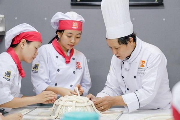"""Nghề làm bánh – một trong những nghề """"hot"""""""