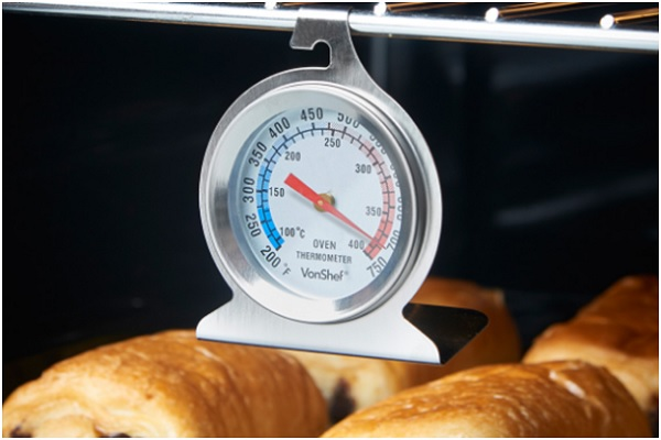 nhiệt kế làm bánh