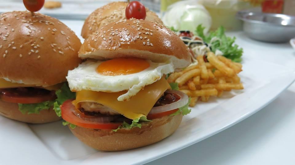 trang tri banh Hamburger
