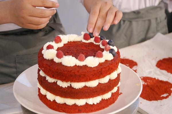 Trang trí bánh với kỹ thuật bắt sò