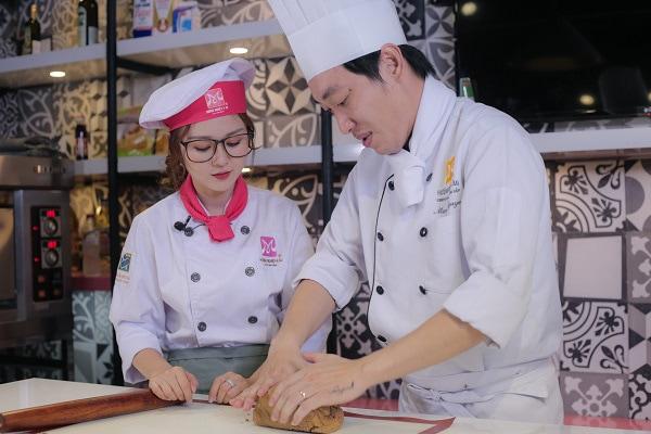 học làm bánh tại trung tâm chuyên nghiệp